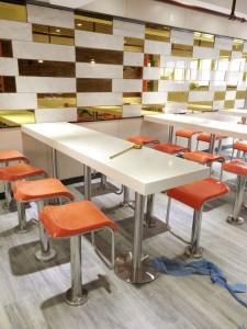 简约时尚快餐桌椅|快餐厅吧台凳定制专家优尼克!